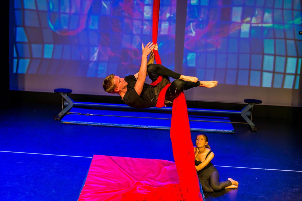Circus school melbourne circus classes little devils for Circus studio milano